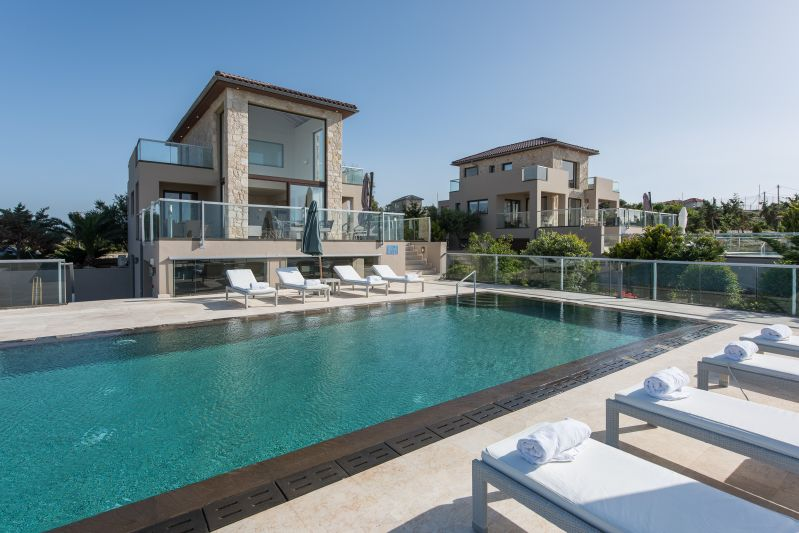 Divine villas with a swimming pool