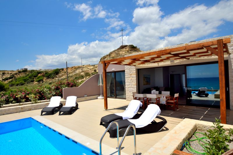 Mary beach villa Ena Frangocastello Chania